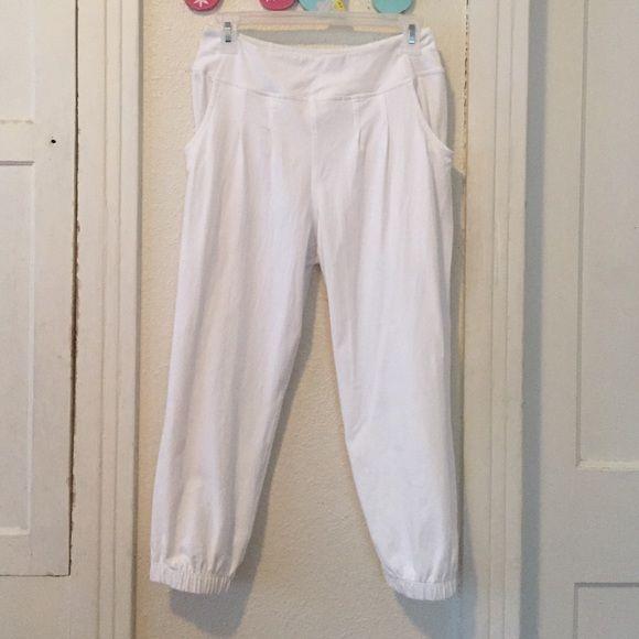 Lululemon white capris White Lululemon Capri leggings with ...