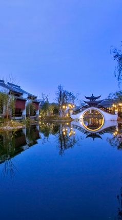 The Banyan Tree Hangzhou is on the edge of the magnificent Xixi Wetlands