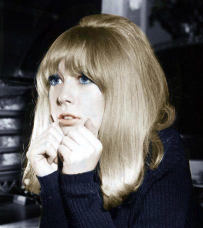 Pattie Boyd            blue mascara, I wore it !