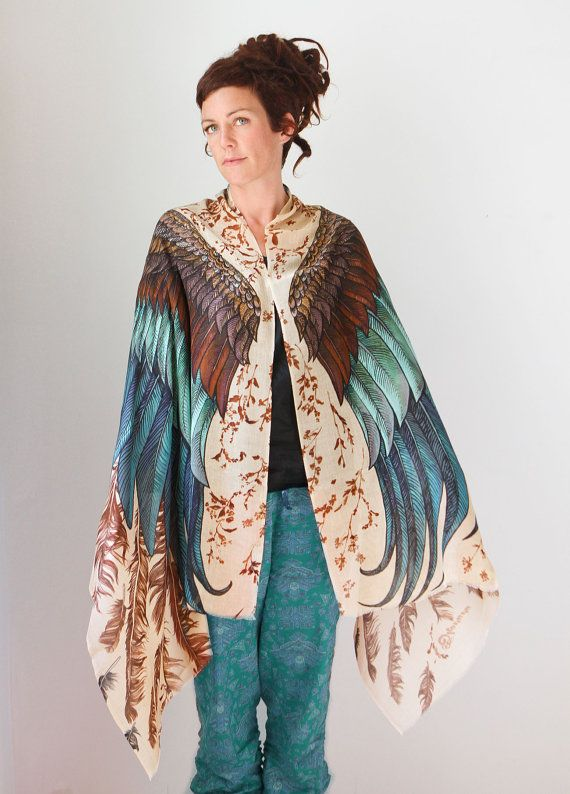 CASHMERE Exotic colors Wings scarf and feathers Hand par Shovava