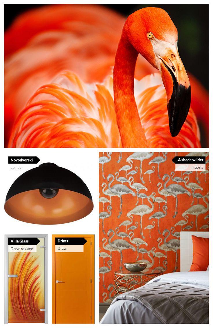 Pomarańczowe ściany, pomarańczowe drzwi, pomarańczowe lampy... czyli pomysł na tropikalne wnętrze.