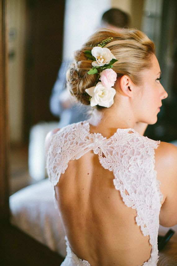 Pretty open back lace keyhole wedding dress style
