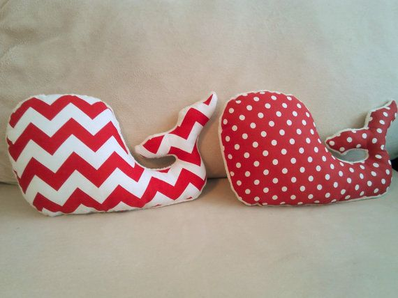 Red zigzag fabric decorative whale pillow This cute decorative whale pillow is perfect for your home or as a gift for your loved ones. Measures: 43x23cm