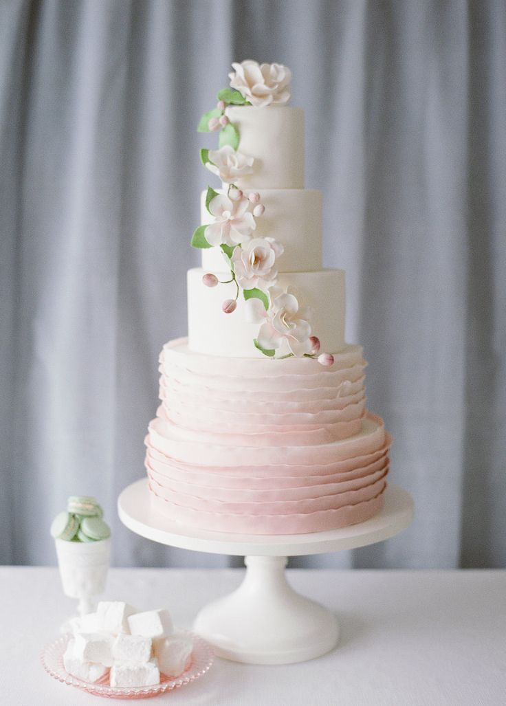 flowers for a wedding 30 pale pink cakes so pretty they ll make you blush 4259