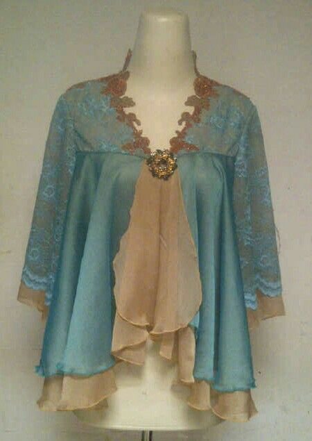 Nice tosca blue with creamy combination, it looks so classic