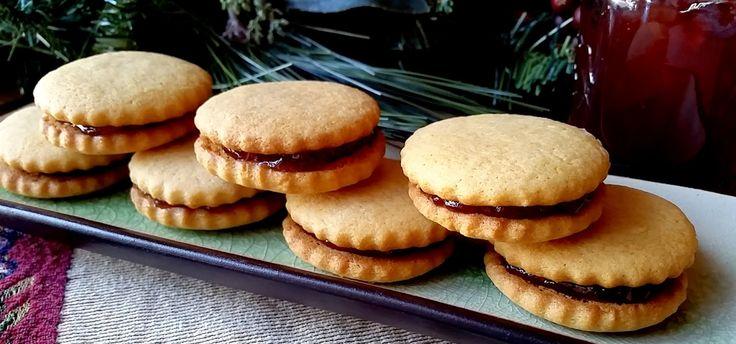 Mennonite Girls Can Cook: Jam Jam Cookies.