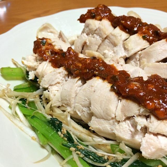 最近のハマり、【ナムル】 メチャ旨し旨し。 手作り味噌だれも美味しいよ~ - 22件のもぐもぐ - 小松菜と長ネギのナムル&鶏胸肉の手作り韓国味噌だれ by Hazuki