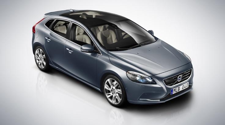 Volvo V40. I want one...