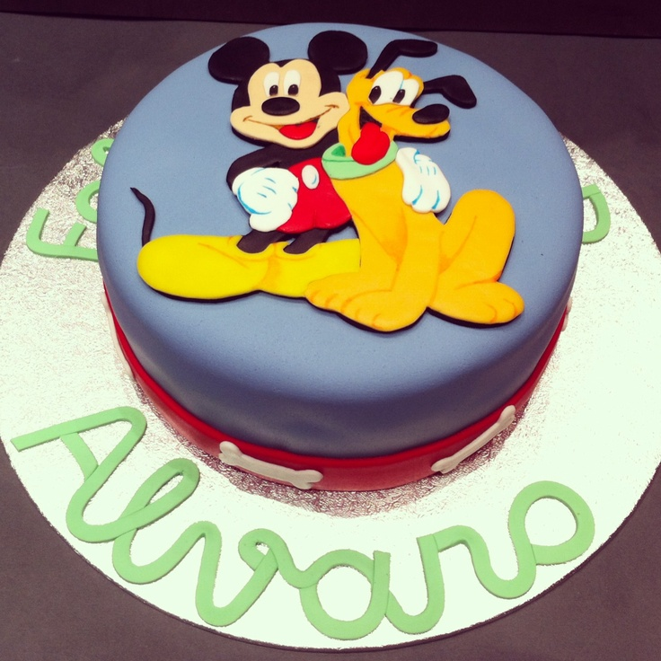 Mickey and Pluto cake/ tarta de Mickey y Pluto by Sanlicious  https://es-es.facebook.com/sanliciouscakes