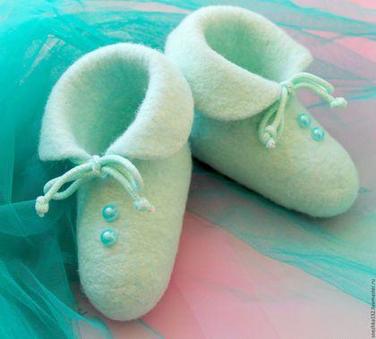 """Детская обувь ручной работы. Ярмарка Мастеров - ручная работа. Купить Пинетки  валяные для малыша """"Мятное чудо"""". Handmade. Мятный"""