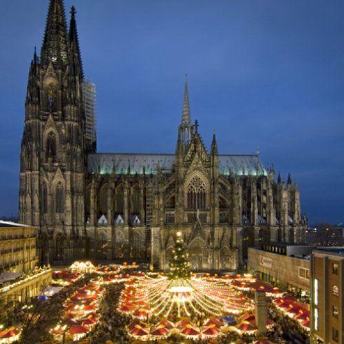 #Kerstmarkt in #Keulen #Duitsland #kerst #markt #shoppen #winkelen #kathedraal #stedentrip #citytrip #reizen #travelbird