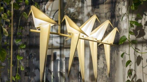 Prachtige vogel lampjes gespot bij Moooi in Milaan