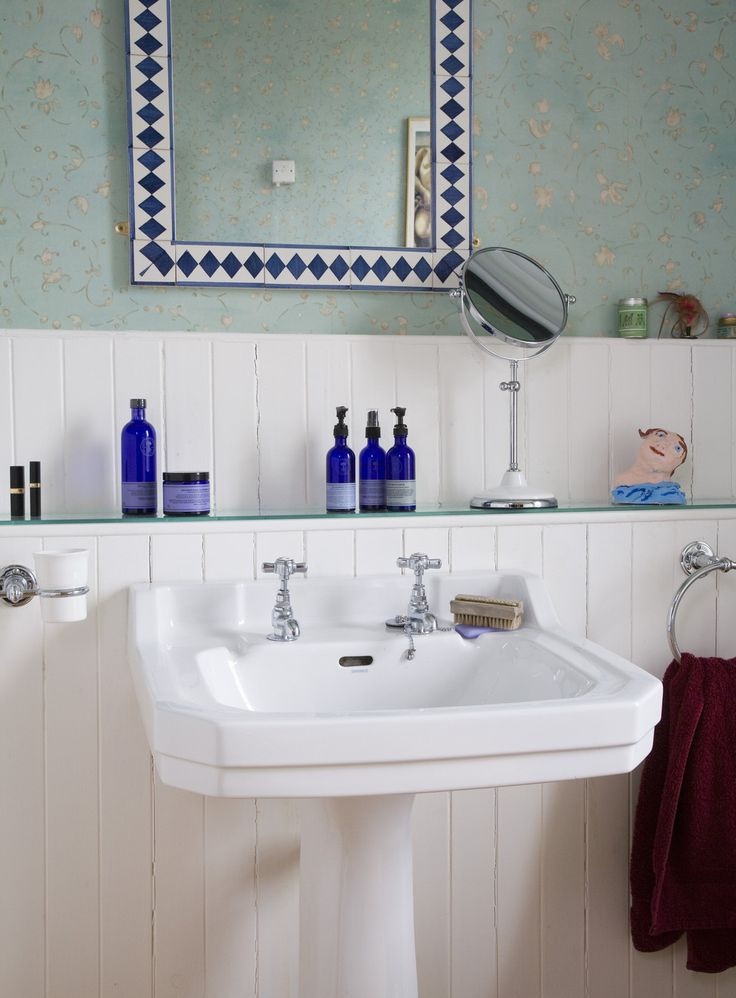 Maybe the new lower wall behind the washbasin can be used for storage (a drawer w hair dryer?)