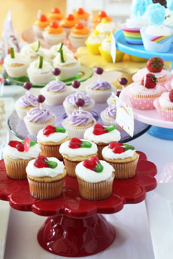 cupcake for days- a rainbow of cupcake colors and flavors