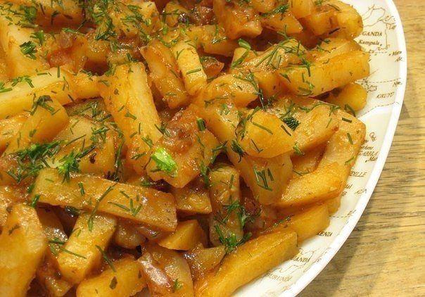 """Вкусная картошка в мультиварке на режиме """"Выпечка"""".Продолжаю наслаждаться таким удобным кухонным девайсом, как мультиварка. На этот раз предлагаю очень вкусную и нежную по структуре картошку с луко…"""