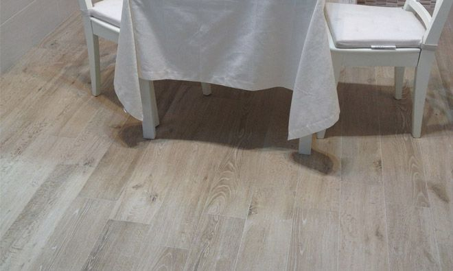Carrelage imitation parquet bois reserve beige carreau for Carrelage bois imitation