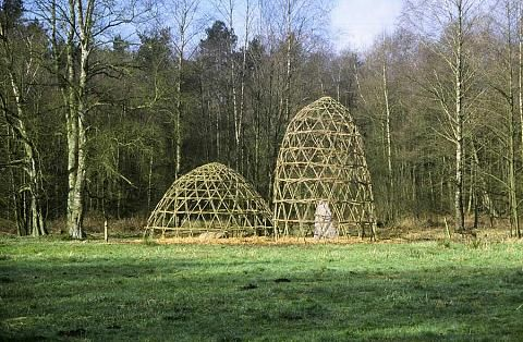 Willow Domes on the Este, Germany, 2002