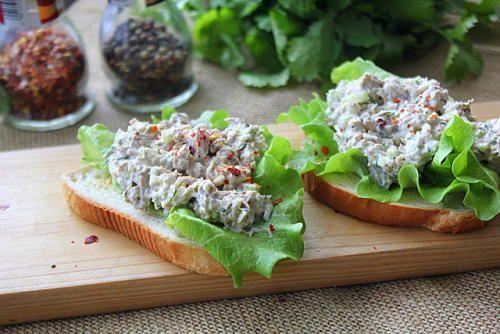 Салат-намазка с тунцом и сельдереем