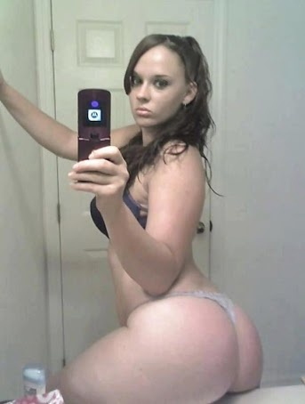 girls in bathroom nice nude asses
