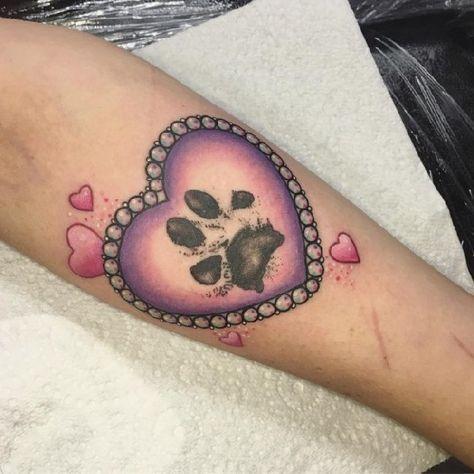 die besten 25 pfotenabdruck tattoos ideen auf pinterest hunde tattoos hundedruck tattoos und. Black Bedroom Furniture Sets. Home Design Ideas