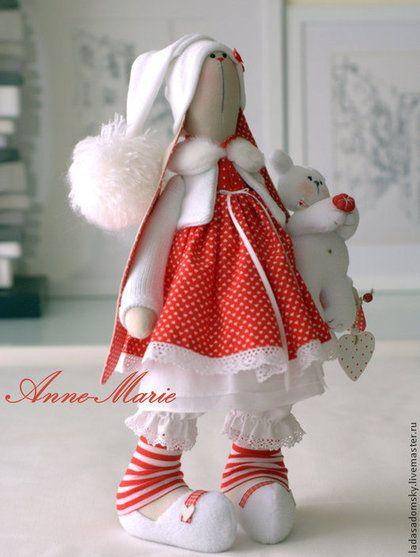 Зайка текстильная Anne-Marie с медвежонком 39 cм - ярко-красный,зайка