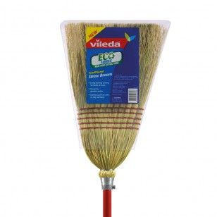 The Vileda Traditional Straw Broom is perfect for garden, outdoor & pool areas.