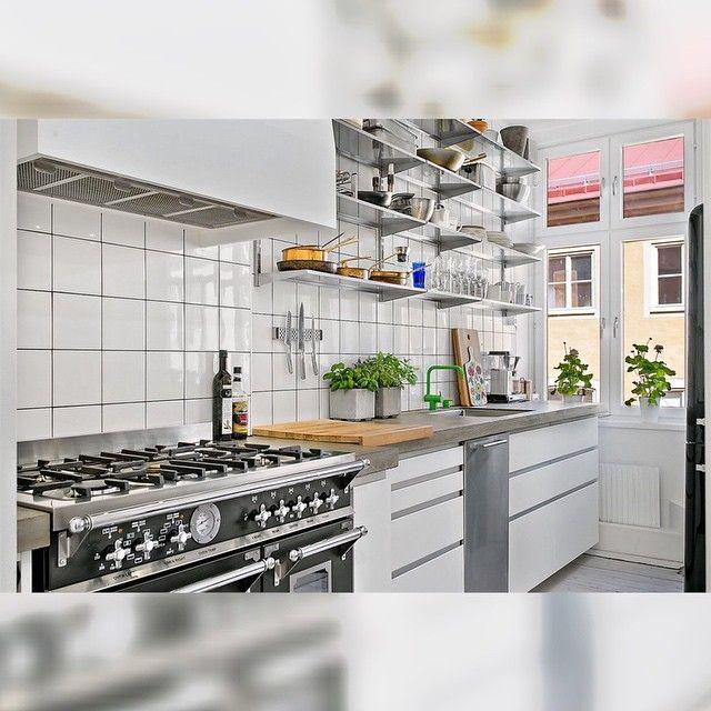 #Bertazzoni #kök #kitchendesign #interiör #inredning #interior #scandinavianhomes #metromodehome #myhome #furniture #interiordesign #inredningsdesign #inspiration #interiordecor #spis #renovering #kjøkken #kitcheninspo #betong #concrete #betongskiva #bänkskiva