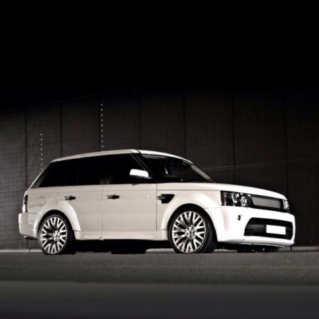 Range Rover Sport.