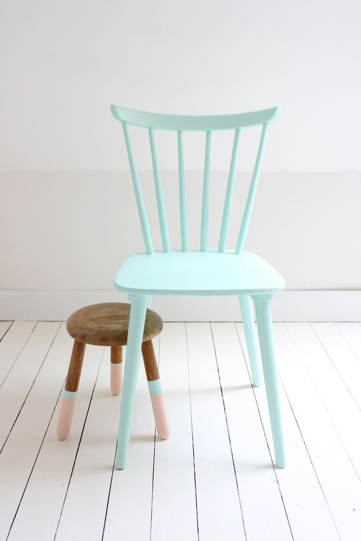 2015 TREND: Mint. More on decor trends at www.houseandeisure.co.za Chair from: tinysidekick.com