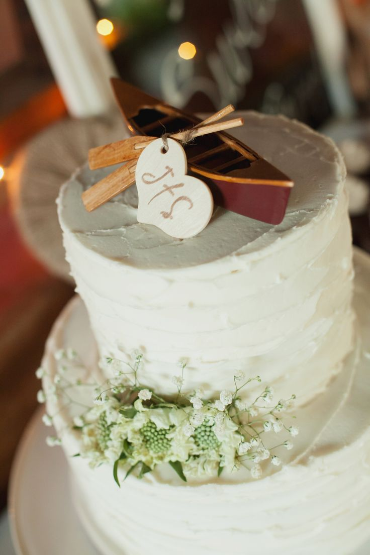 Our wedding cake- canoe cake topper from Etsy Photo by Kim J Martin Photography | Cake by Cake Couture in Davis, CA
