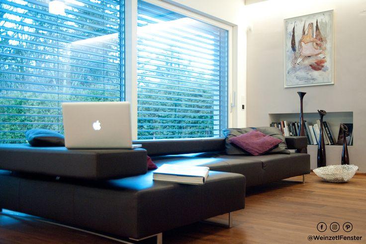 Die großen Hebeschiebetüren sorgen dafür, dass der Wohnraum ins rechte Licht gerückt wird. Absolut traumhaft!