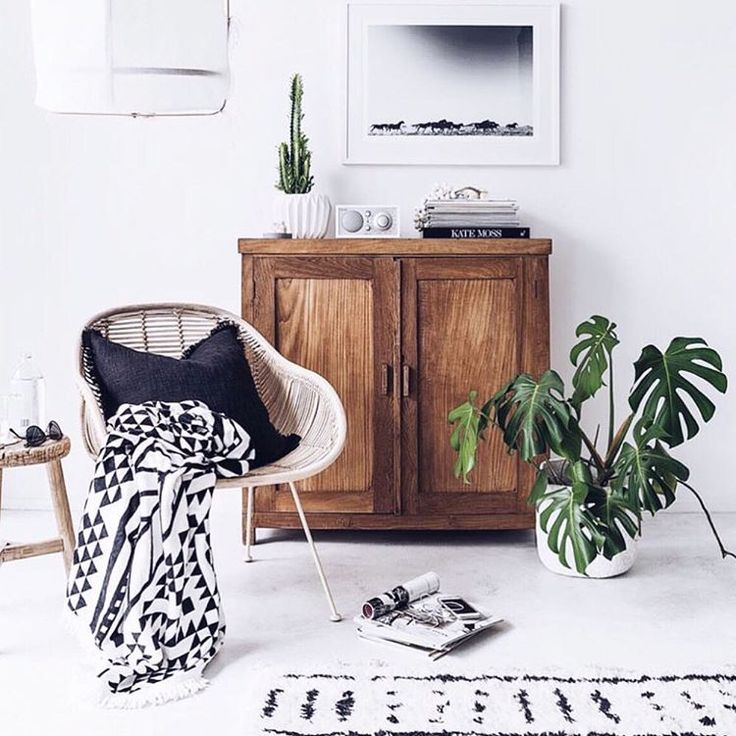 """at home with the aztec roundie #thebeachpeople #theoriginalroundie via @indiehomecollective"""