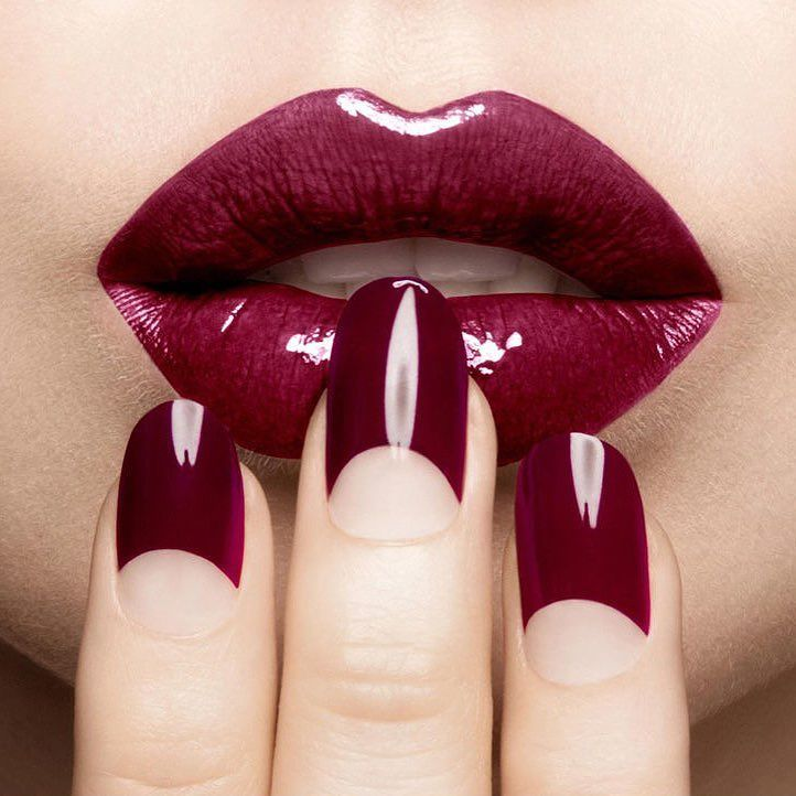 Love this half moon manicure style press on nails by @nailits_ Easter special…