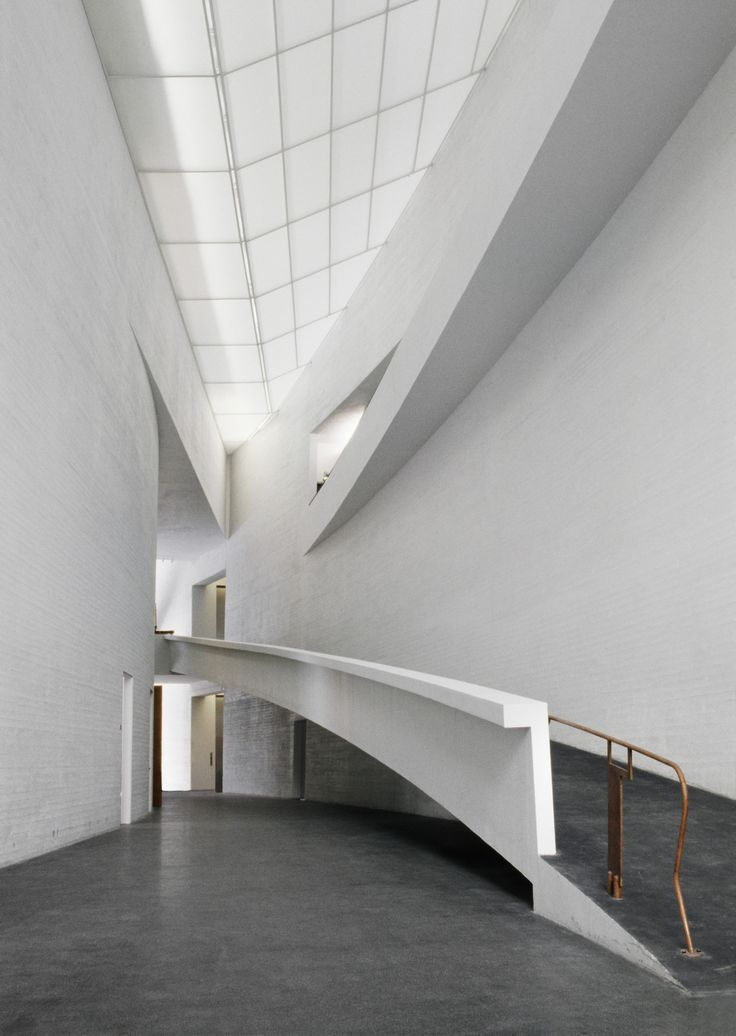 KIASMA MUSEUM OF CONTEMPORARY ART by Steven Holl Architects