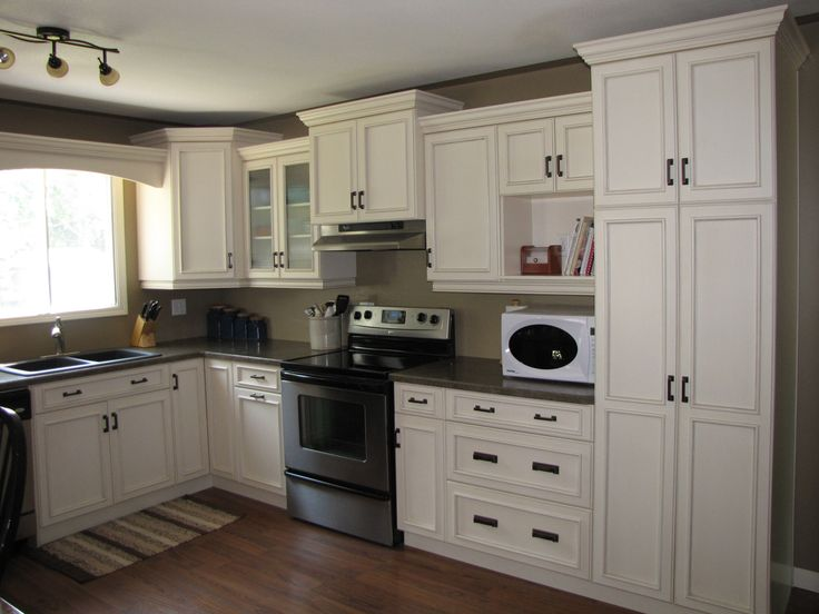Cabinets Maple Cornsilk Countertops Wilsonart
