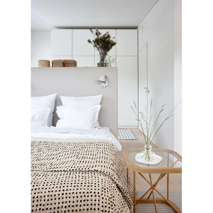 Twiggy pöytä 44 x 44 cm, tammi in 2020 Interior design