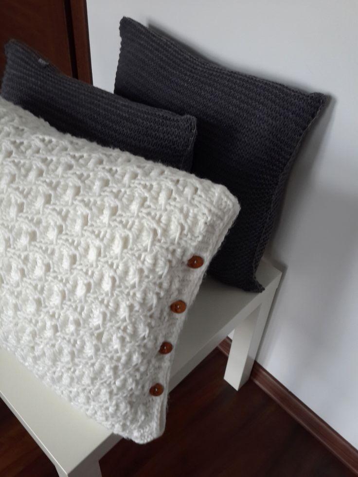 Декоративные подушки, вязаные подушки, работа Алины Мининой