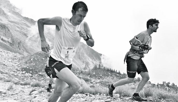 """https://flic.kr/p/W8kVqF   Un autre regard sur le Marathon du Mont-Blanc 2017   Kilian Jornet l""""homme qui passe et survol le marathon du Mont-Blanc  2017 de chamonix  www.flickriver.com/photos/boillon_christophe/ PS Mes photos ne sont pas libres de droits . Pour toute utilisation me contacter par mail n° siret 522 963 438 00018 - code ape : 9003A toute reproduction interdite sans mon accord articles L131-2 & L131-3 du cpi"""