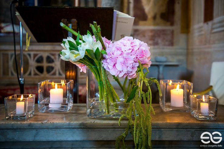 Allestimento chiesa - dettaglio ortensia #church #chiese #addobbifloreali #flowerarrangement #wedding #weddingday #weddingidea #federicaambrosinifloraldesign