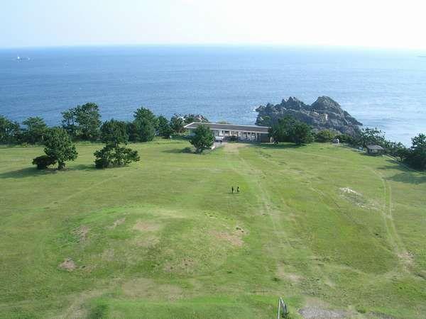 本州最南端の地、潮岬の先端に広がる約10万㎡の『望楼の芝』【周辺観光】