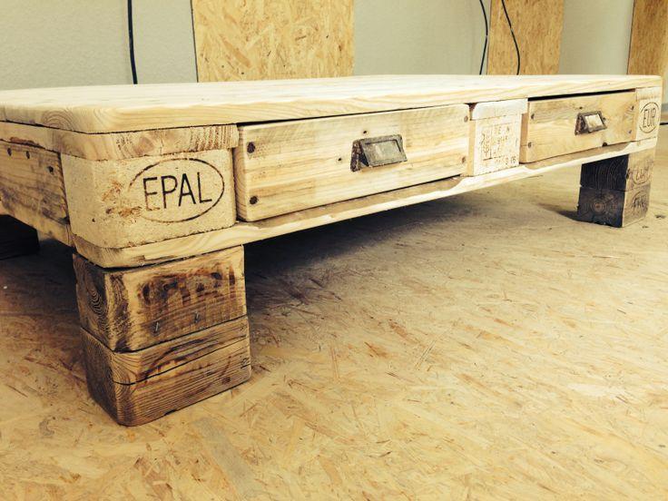 tisch aus euro palette einrichtung europalette pinterest euro tisch und tisch aus paletten. Black Bedroom Furniture Sets. Home Design Ideas