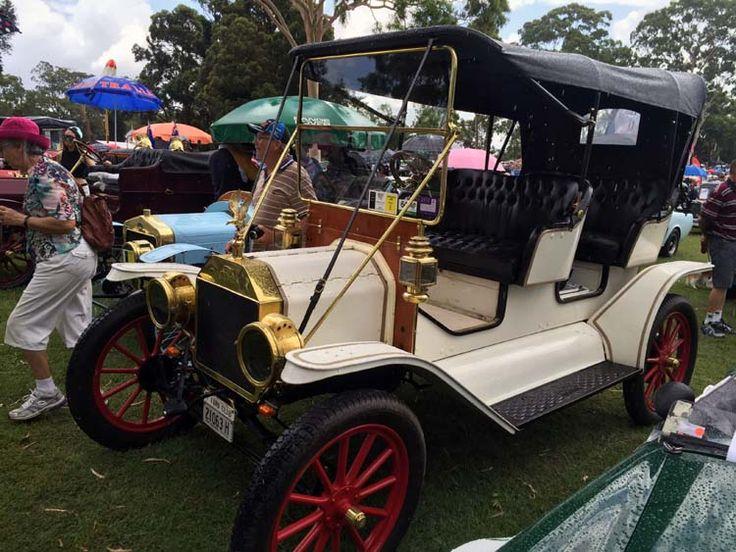 13 Parramatta CARnivale, showcasing vintage motors