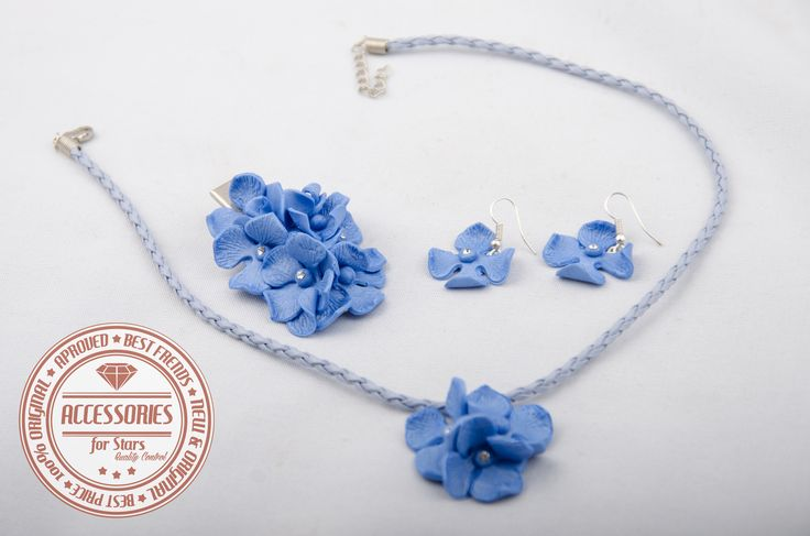 http://accessoriesforstars.blogspot.ro/2015/01/set-hortensie.html #hairpin #barrette #blue #necklace #earrings #sets #accessoriesforstars #swarovski #crystals #flowers #shineblue #shine #sweet