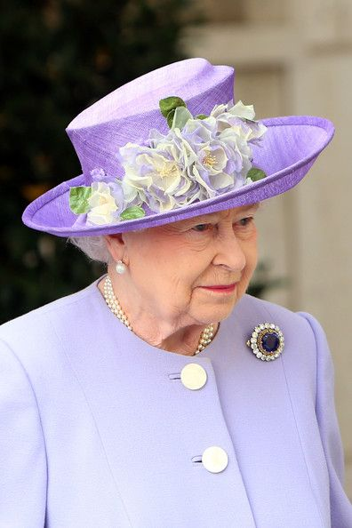 Queen Elizabeth II leaves the Paul VI Hall after a meeting with Pope Francis on April 3, 2014