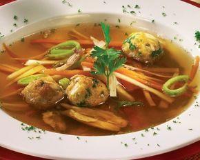 Supă de legume cu perişoare de pui