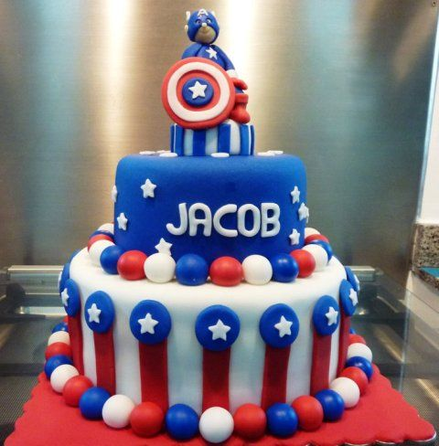 Little Captain America, Spiderman, Iron Man and Hulk action figures could stand on a two tiered cake