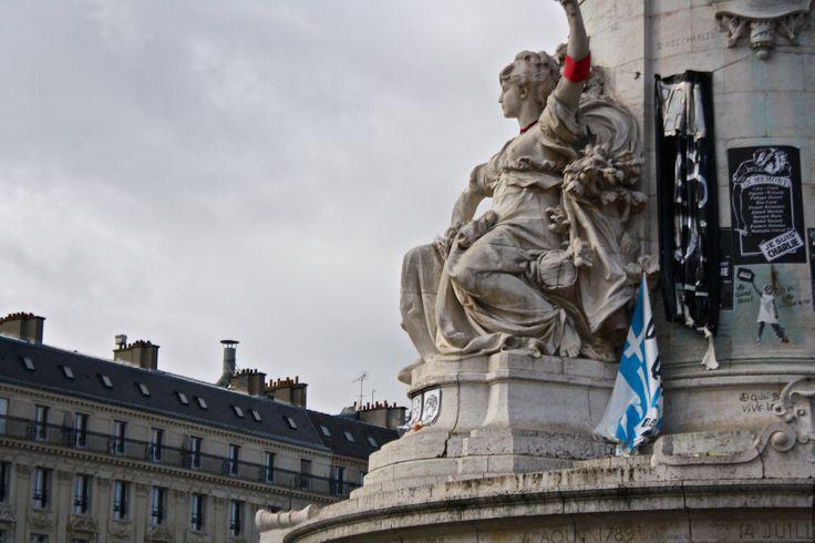 Place de la Republique, Paris - Shot on a Canon EOS 1000D, Av, ISO 800, shutter speed 1/4000, f/5.6