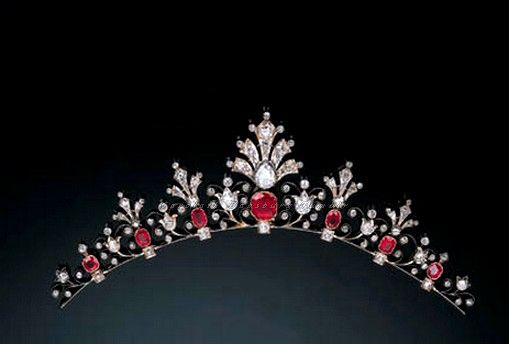 Tempus fugit....mors venit... // Diamond and Ruby tiara. C 1900s.