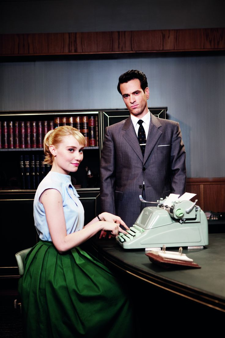 populaire a sweet and happy movie. Beautiful fashion for both clothes and interior spaces. Loved this movie!