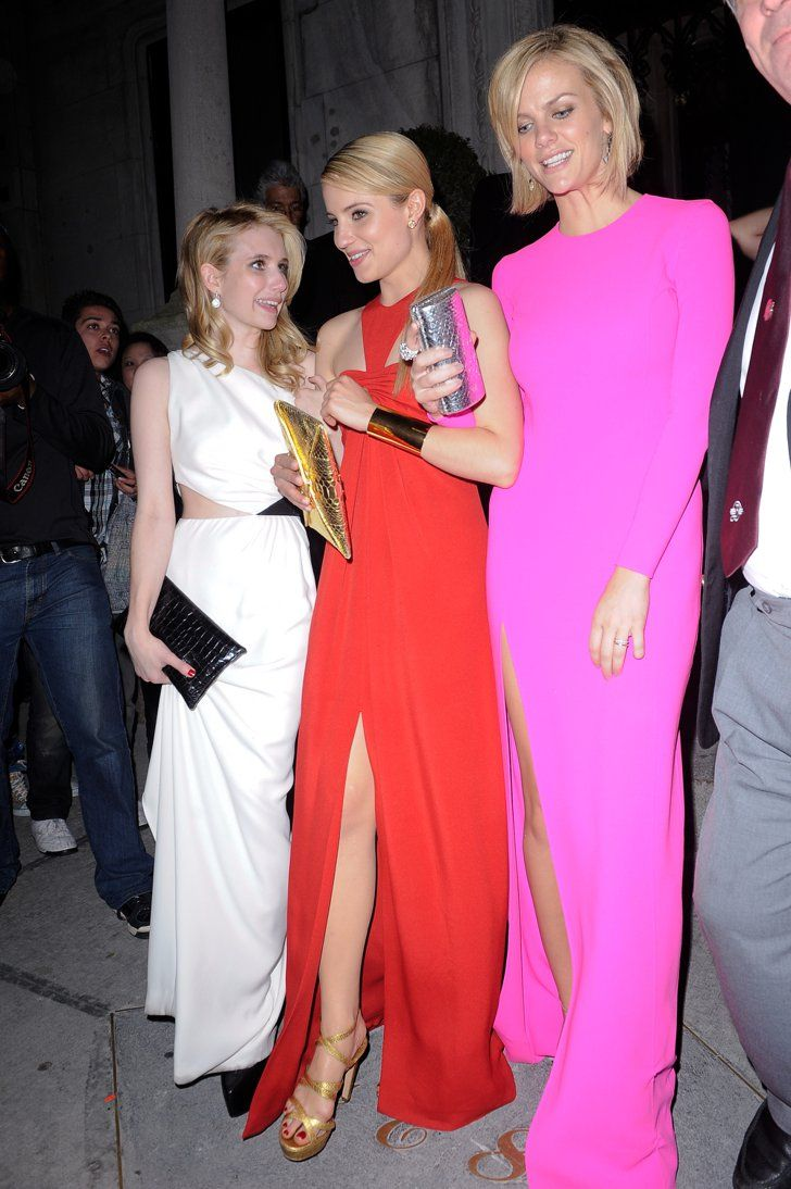 Pin for Later: 75 Moments Inoubliables du Met Gala Emma Roberts, Dianna Agron, et Brooklyn Decker — 2011